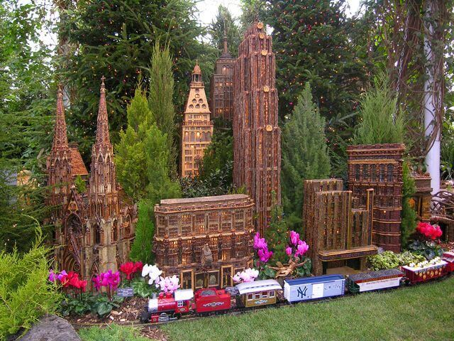 Train show at the ny botanical garden, a holiday must!