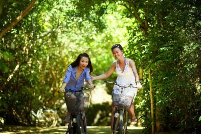 Biking can be the basis for a great family vacation with kids and teens.