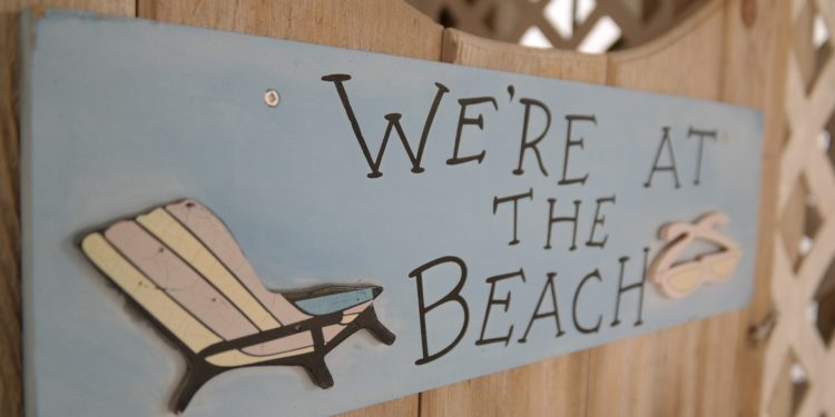 Beachsign. Majaranda from pixabay