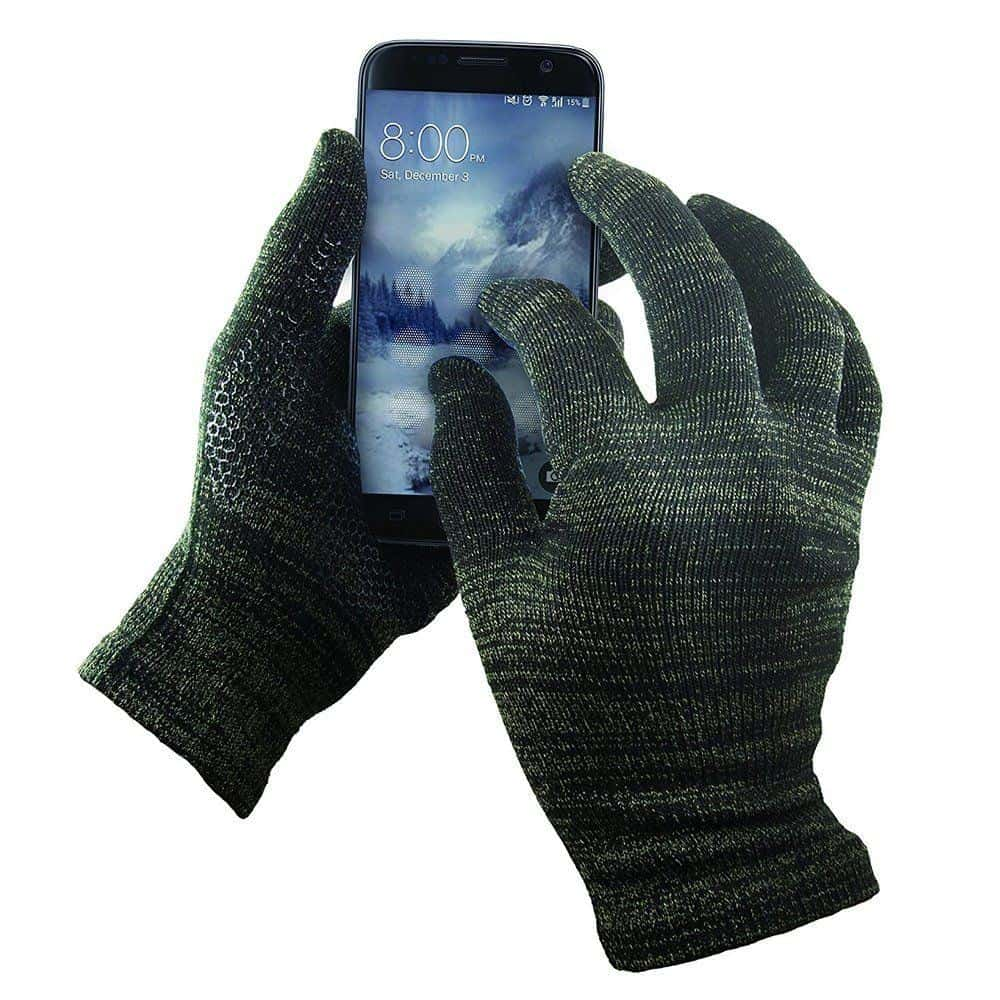 Keep your hands warm while you use your phone with glide gloves