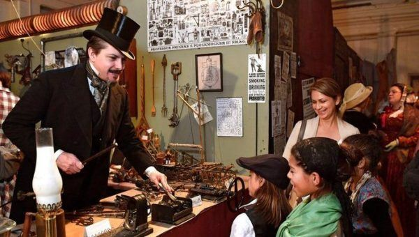 London comes to san francisco during the great dickens fair