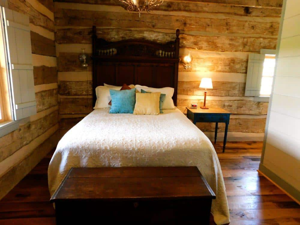 One of the cozier bedrooms at the meadcroft inn.
