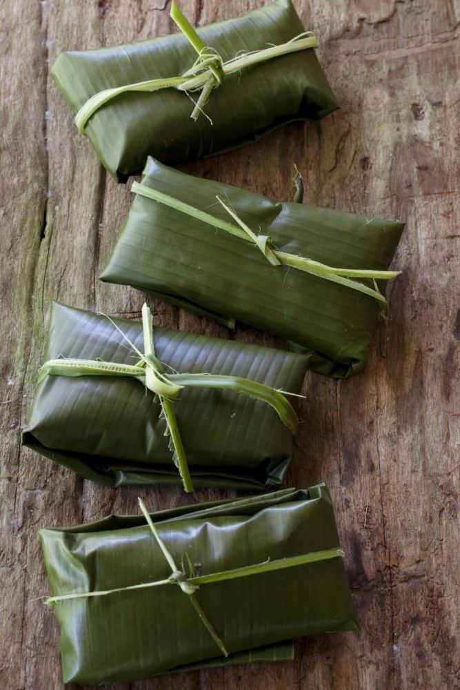 Little banana leaf packets for steaming